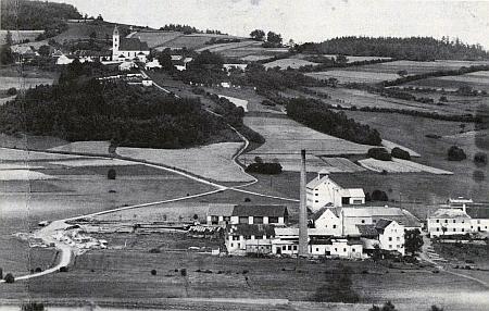 Ktiš s Ktišským mlýnem na snímku pořízeném někdy kolem roku 1938