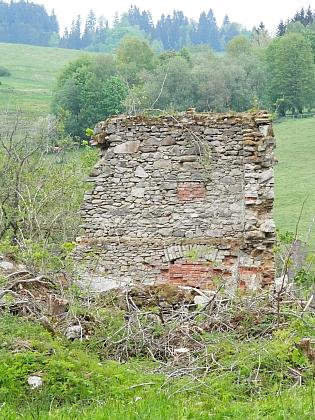 Ruiny stavení v Bednářích