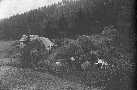 Jiný Seidelův snímek vodopádů sv. Wolfganga, nesoucí pořadové číslo 498...