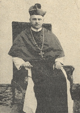 V den svého zvolení opatem v roce 1923