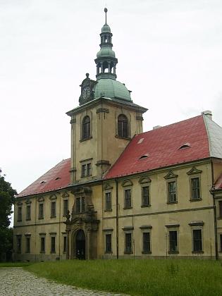 Krušnohorský cisterciácký klášter Osek (Osegg), jehož osudy byly po válce spojeny s vyšebrodským klášterem a Tecelinem Jakschem