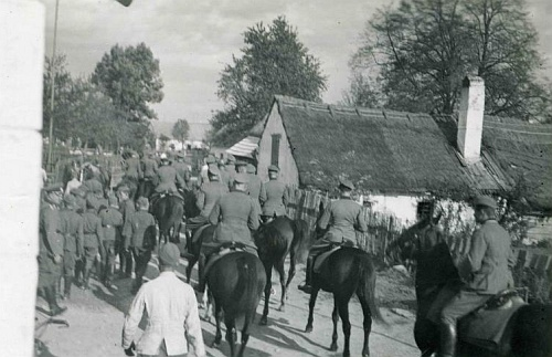 Vstup německého vojska do jeho rodných Nakolic na podzim roku 1938