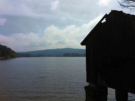 Nakolický rybník, založený někdy v prvé půli šestnáctého století, patří k největším na Novohradsku