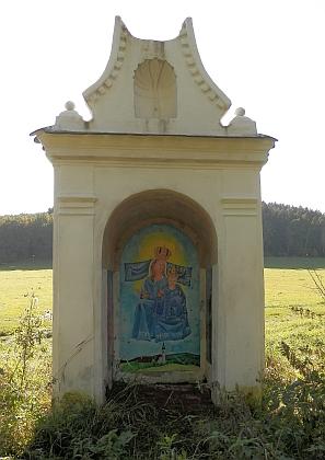 Výklenková kaplička Panny Marie Kájovské za Červeným mlýnem u Červeného Dvora