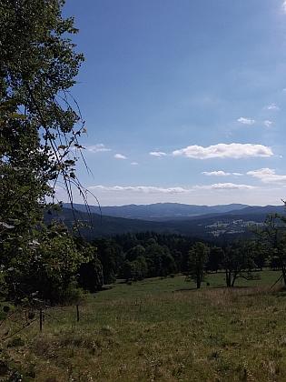Pohled od Českých Žlebů na Stožec
