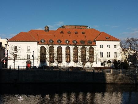 Českobudějovické městské divadlo, kde německá divadelní produkce působila