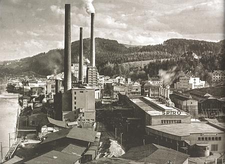 Papírna Spiro na snímku ze třicátých let 20. století