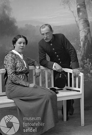 Rodiče na snímcích z prosince roku 1914