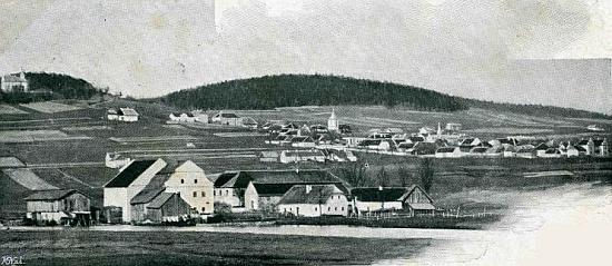 Na další pohlednici vidíme mlýn vpředu vlevo, v pozadí Horní Planá (viz i Gustav Jungbauer, Rudolf Jungbauer a  a Emma Pichlmeierová)
