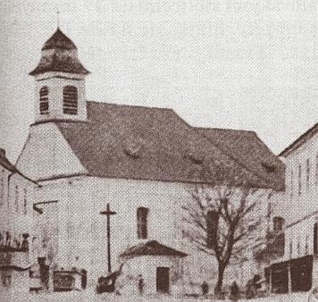 Kostel sv. Anny v Pěkné před přestavbou v roce 1903...