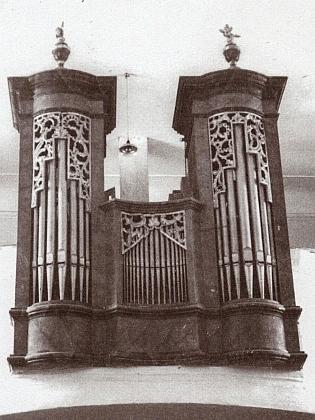 ... a dnes již nefunkční místní varhany