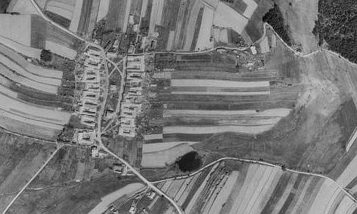 Pernek na leteckých snímcích z let 1947 a 2008