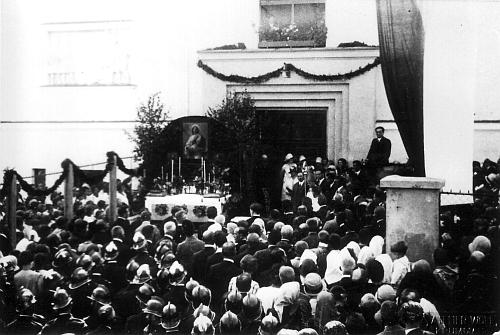Hans Spiro zahajuje slavnost svěcení školy 9. září 1928