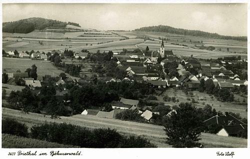 Přídolí, rodiště jeho otce, na pohlednici Josefa Wolfa