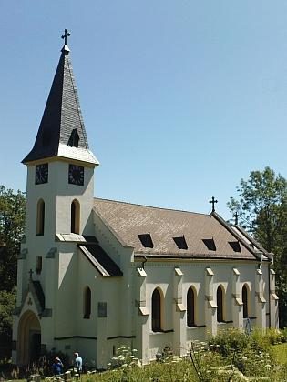 Obnovený kostel ve Zvonkové