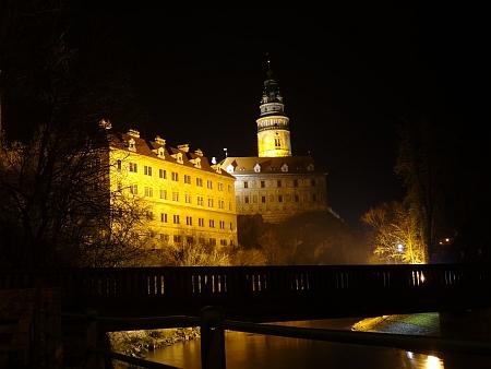 Rodný Český Krumlov na nočním snímku z prosince 2013