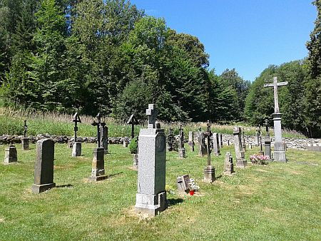 Pohřben byl na hřbitově v Zvonkové, který byl po letech devastace pietně obnoven