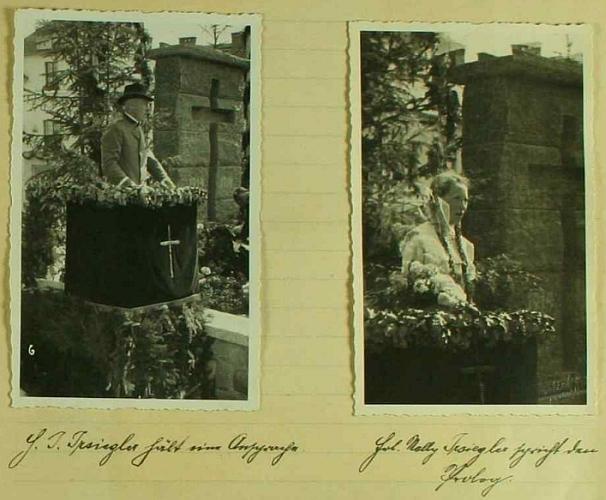 Ona a její otec při projevech na tribuně vedle nově odhaleného památníku padlým ve Větřní dne 1. září roku 1935