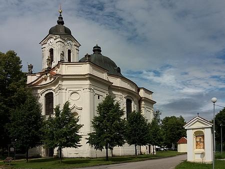 Poutní kostel Panny Marie Bolestné v Dobré Vodě u Českých Budějovic, kde byl pokřtěn