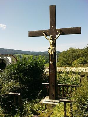 ... kříž po úpravě v roce 1995