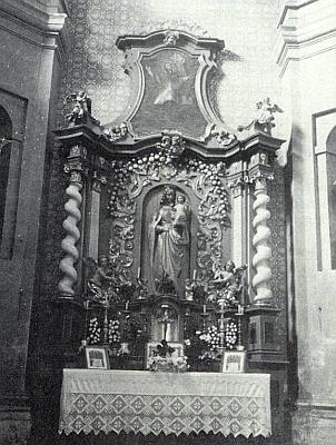 Boční oltář v někdejší mariánské kapli kostela ve svatém Tomáši měl nad sochou Madoninou i obraz, znázorňující sv. Jana Nepomuckého, křestního patrona knižete Jana Adolfa Schwarzenberga, který měl zase patronát nad samotným kostelem
