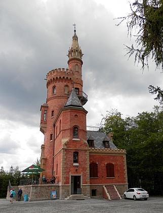 Novogotická vyhlídka v Karlových Varech nesla postupně jméno Stefaniewarte podle iniciátorky stavby arcivévodkyně Štěpánky Belgické, po roce 1918 Stifterova, od roku 1945 Stalinova a v roce 1957 byla přejmenována na Goethovu