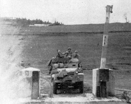 """... vjezd Američanů na československé území, tehdy ještě v hranicích """"Říše"""", koncem dubna 1945..."""