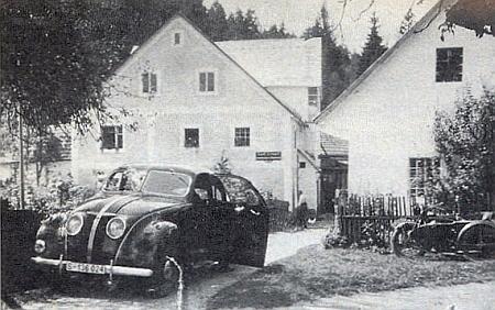 Grundlů mlýn (Grundlmühle) v Lužnici, než byl po válce srovnán se zemí