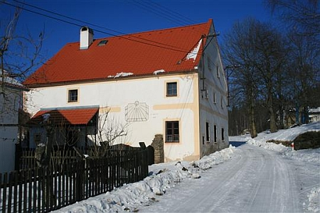 Dochované původní stavení v Lužnici