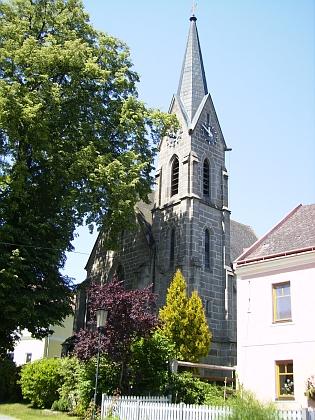 Heinrichs s kostelem Nanebevzetí Panny Marie