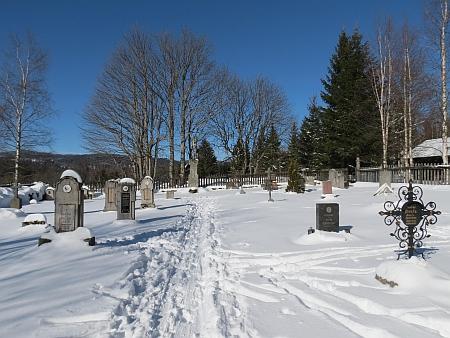 Hřbitov v Knížecích Pláních v zimě 2015