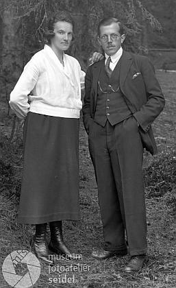 Jeho rodiče na snímku Josefa Seidela zdubnaroku1926