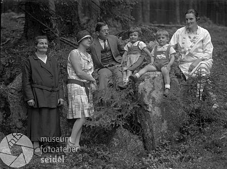 Na rodinném snímku také z června 1929