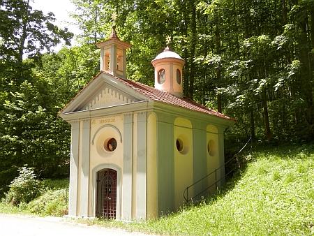 """Kaple Panny Marie Loretánské, od níž vedla k Lázním svaté Markéty po něm nazvaná """"Kießlich-Straße"""""""