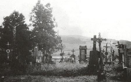 Hřbitov v Záblatí na snímku neznámého data...