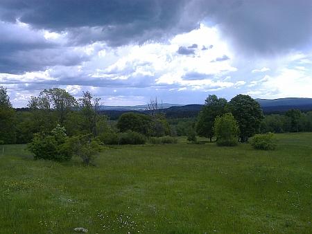 Pohled ze Zvonkovského vrchu (Kronberg) v roce 2020
