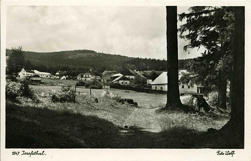 Josefův Důl kdysi na pohlednici krumlovského fotografa Wolfa...