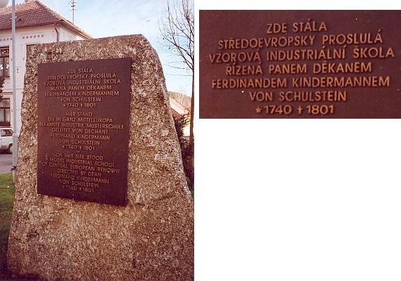 Na místě někdejší Kindermannovy vzorové školy stojí dnes v Kaplici tento pamětní kámen