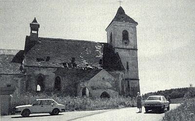 Takto zachytila tehdy rozpadající se kostel v Polné 12. července 1990 Irmtraut Ranzingerová ze Salzburku, roz. Trnkaová, jejíž děd a praděd byli řídícími učiteli na zdejší škole (viz i Gottfried Trnka)