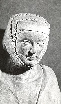 Hlava sv. Anny samotřetí ze svatoštěpánského dómu pochází snad z konce 13. století