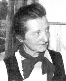 V roce 1981 se stala nositelkou Kulturní ceny města Pasova pro umělce z řad šumavských vyhnanců