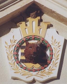 Bärensteinský znak na někdejší obecní radnici