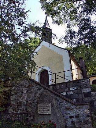 Kostelík v Jägershofu (postavený v roce 1901) nasnímku z roku 2014