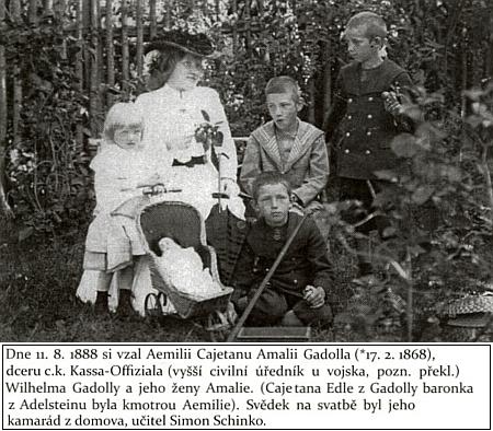 Jeho druhá manželka, Ämilie Klimeschová se svými čtyřmi dětmi v Kaplici na snímku z roku 1903