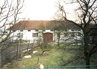 Rodný dům v Rozpoutí