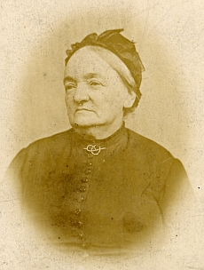 Jeho matka Charlotte, roz. Hauerová (viz i Anna Jelineková, kde je i fotografie otce Josefa)