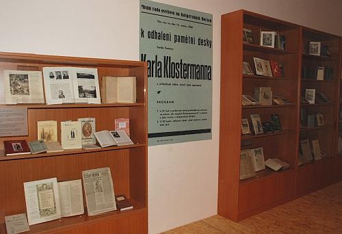 V září 2008 byla v Jihočeském muzeu v Českých Budějovicích zahájena výstava Šumava Karla Klostermanna - část expozice věnovanou životu a dílu spisovatele připravilo regionální oddělení Jihočeské vědecké knihovny spolu s autory Kohoutího kříže