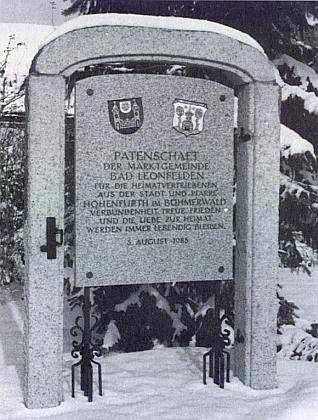 Památník patronátu Bad Leonfelden nad vyhnanci z Vyššího Brodu, zbudovaný v roce 1985