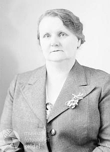 Marie Knechtelová na snímku z fotoateliéru Seidel, pořízeném vroce1940