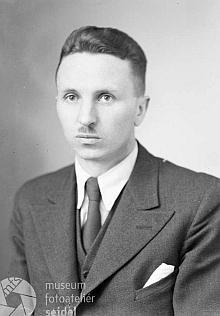 Dr. Max Knechtel na dvou snímcích z dobna roku 1942